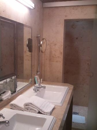 Hotel Metropole Batu, www.hoteldimalangbatu.wordpress.com, 081334664876